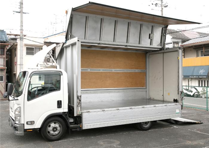 横から見たトラックの積載スペース