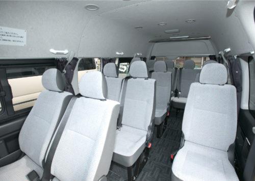 車内の座席